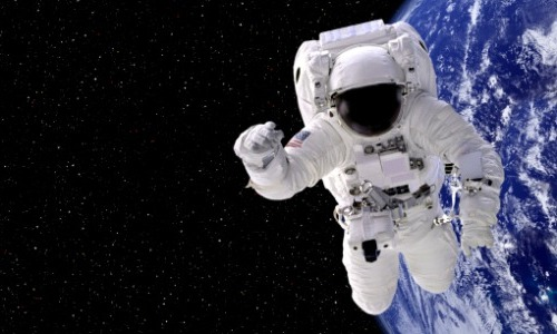 Astronaut Poop Burns Up Like a Shooting Star