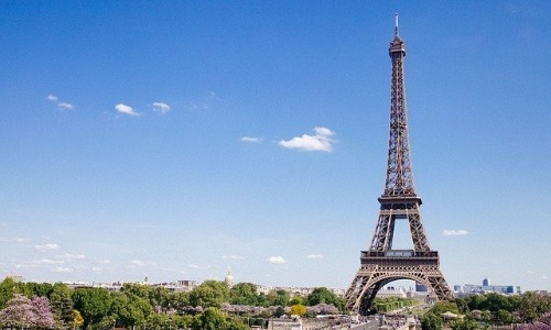 There's a Private Apartment at the Top of Eiffel Tower