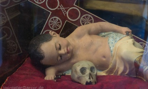 Sleeping with a Skull