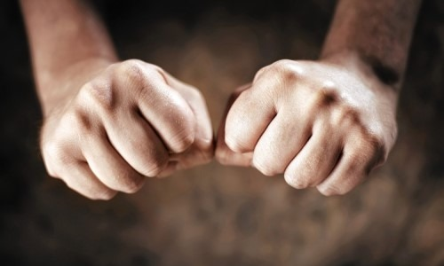 Cracking Knuckles Can Lead To Arthritis